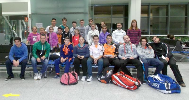 Foto jugadores del Menorca Badminton Club Es Castell participantes en el TTR (Ranking Territorial) de Baleares disputado en Ibiza el 8 de noviembre de 2014